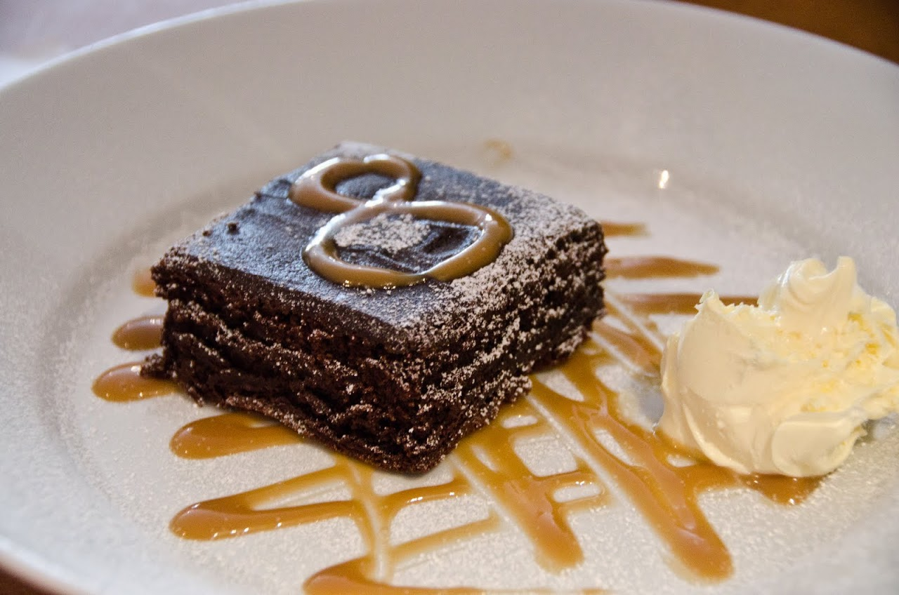 Brownie with clotted cream
